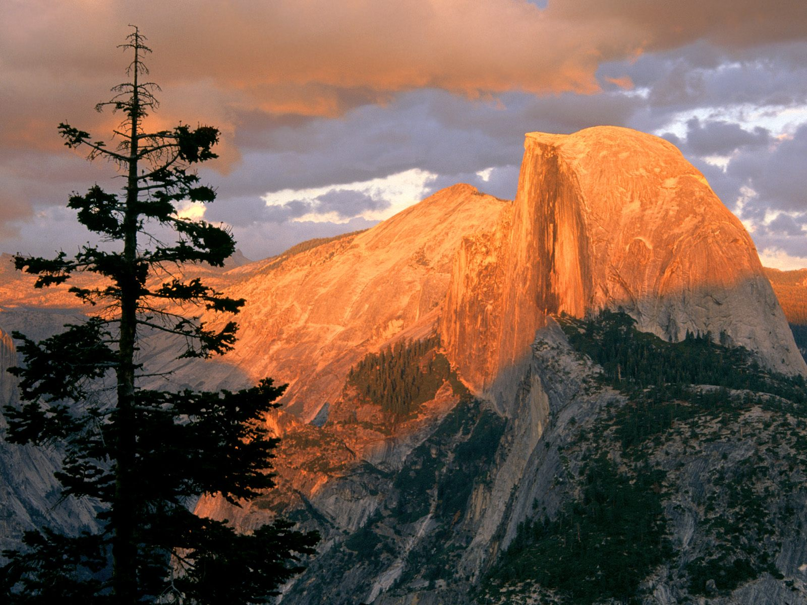 half_dome_at_sunset_from_glacier_point.jpg